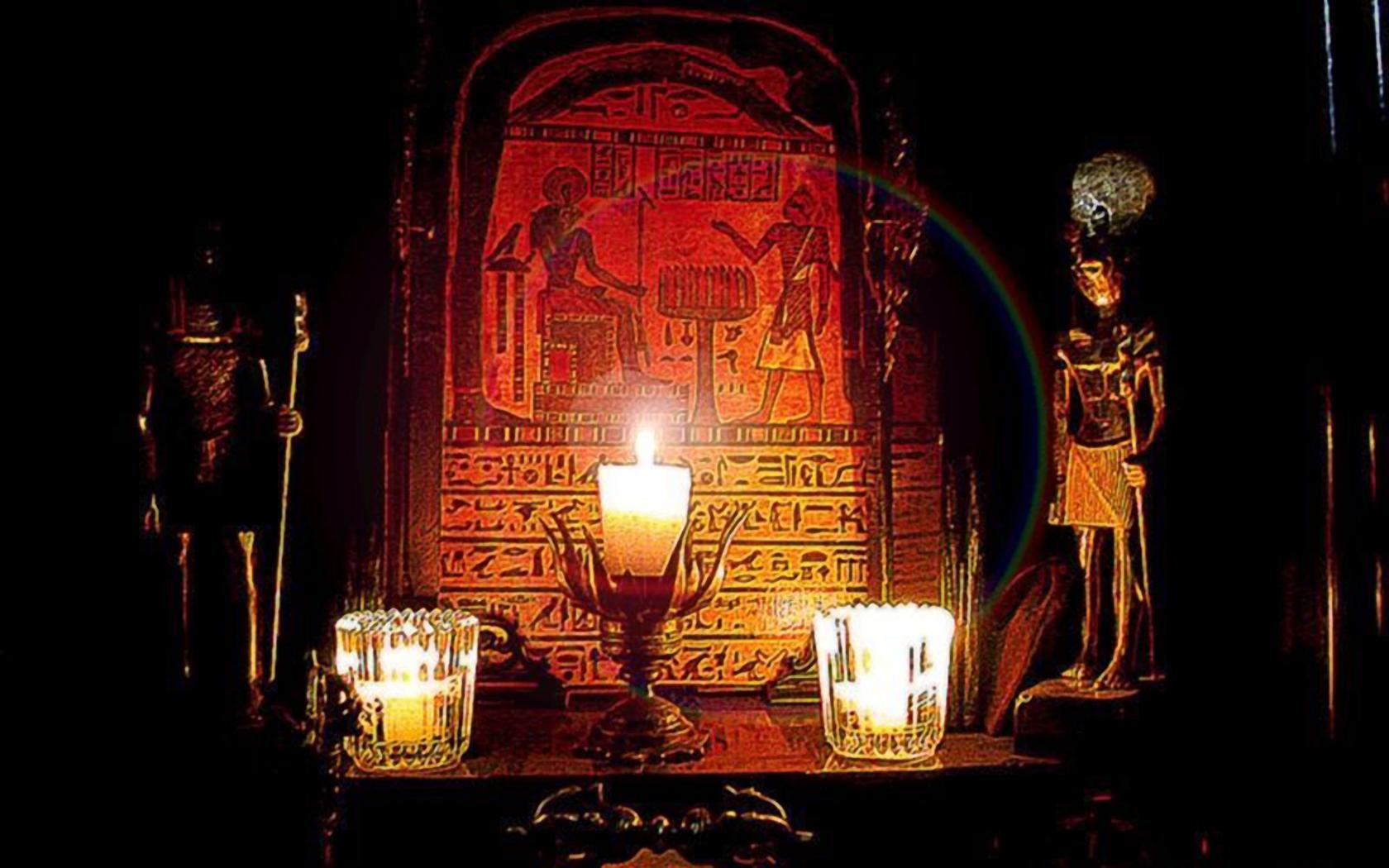 Thelemic-Altar.jpg
